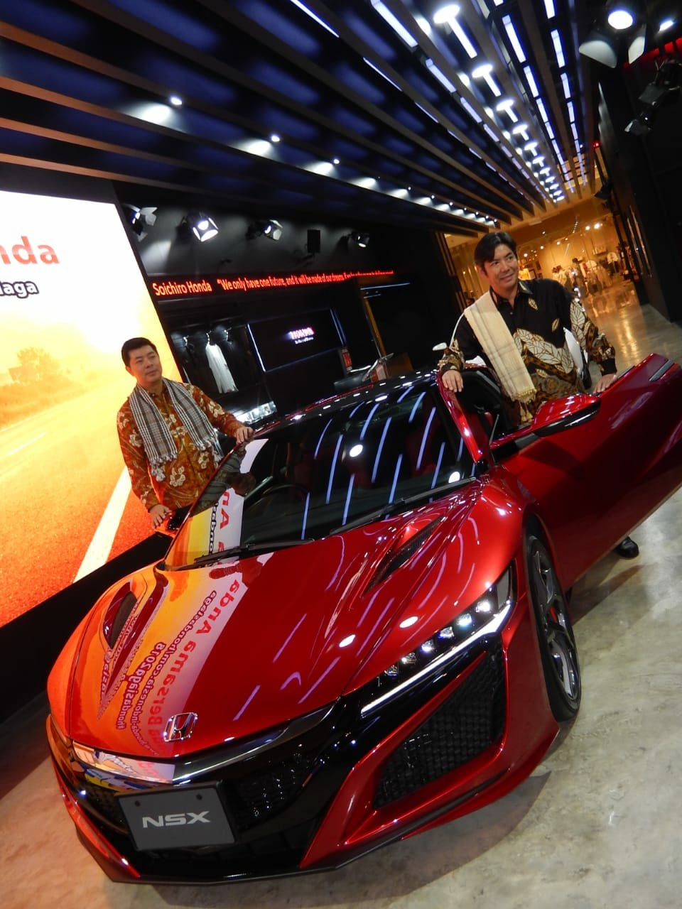 640 Koleksi Gambar Mobil Sport Honda Nsx Gratis